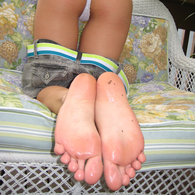 Close up of Kasia's wet bare feet